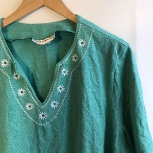VINTAGE Green White Embroidered Floral V-Neck Top